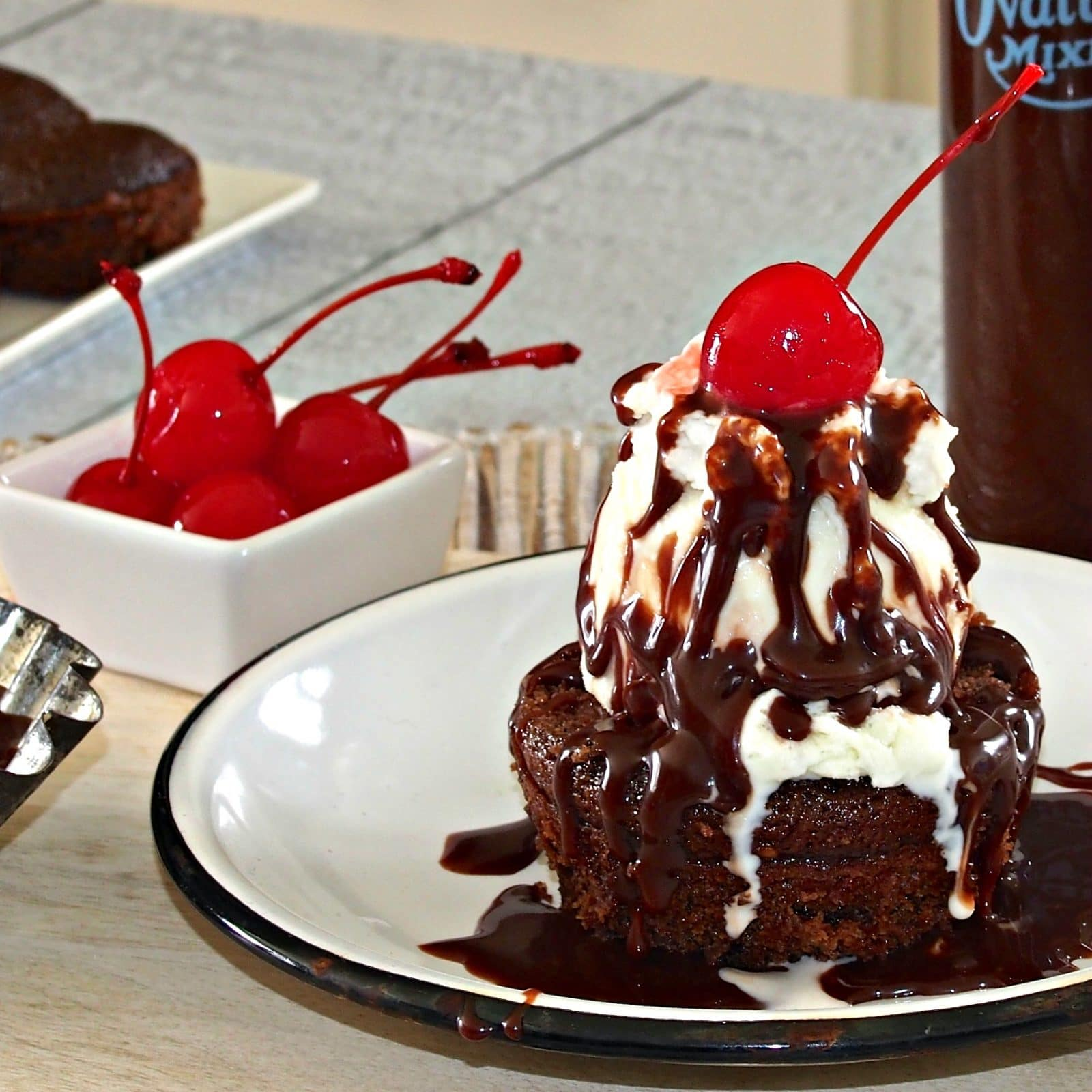 Hot Fudge Sundae Cupcake Simply Sated