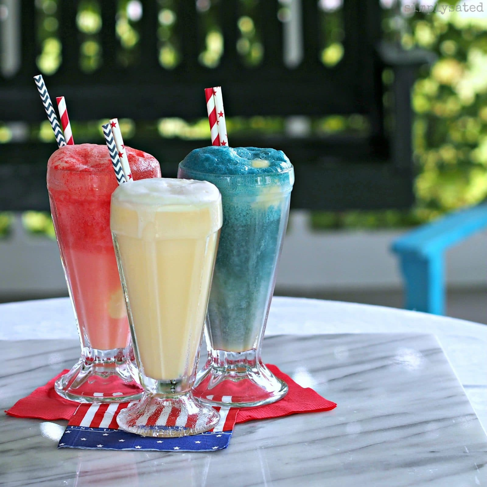 Patriotic Ice Cream Sodas - and easy and beautiful treat for any occasion.