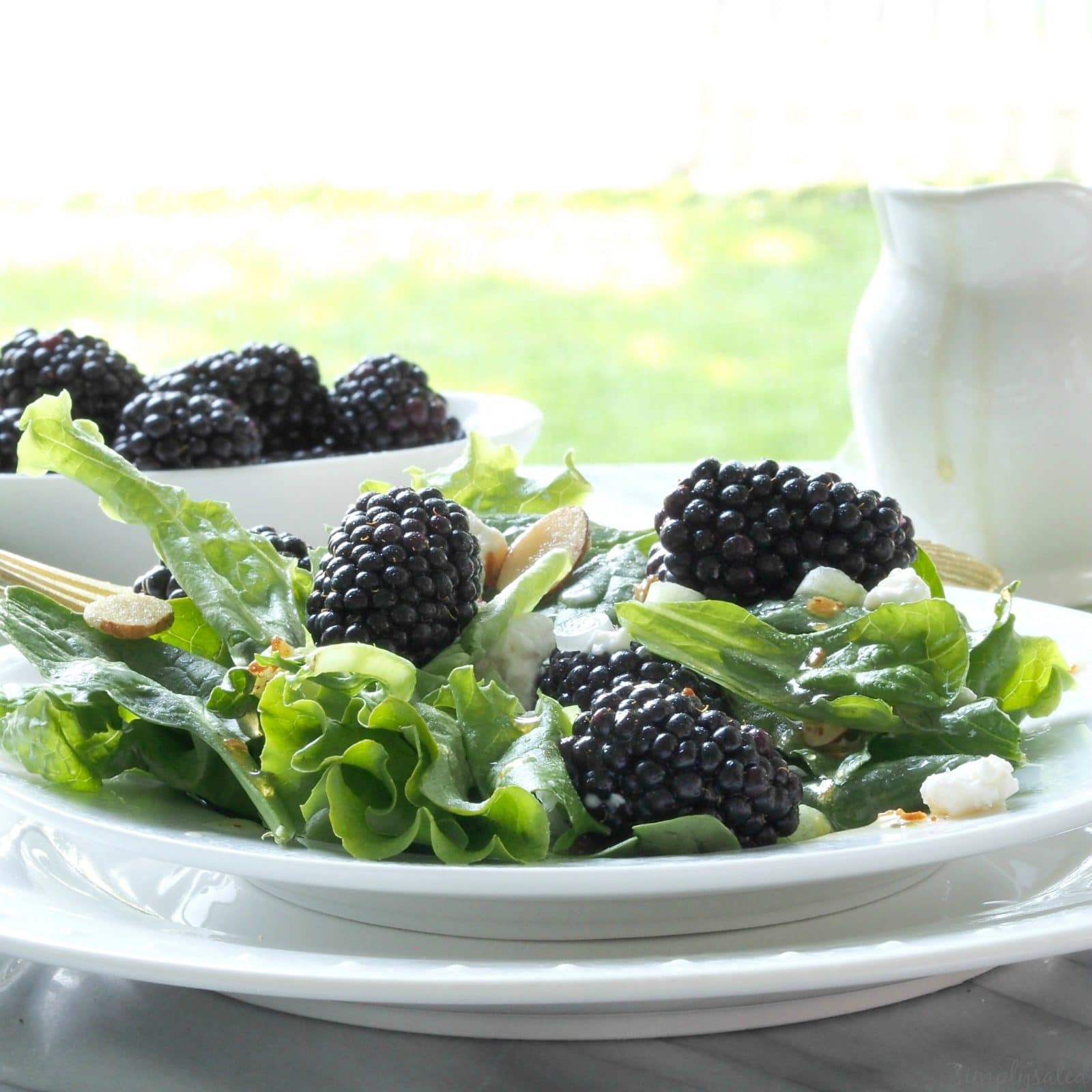 Blackberries & Greens Salad - a fantastic, healthy salad with blackberries, greens & almonds. www.simplysated.com