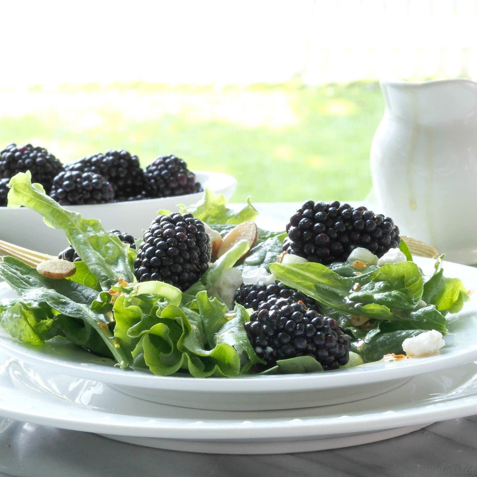 Blackberries & Greens Salad - a fantastic, healthy salad with blackberries, greens & almonds. www.simplysated.com