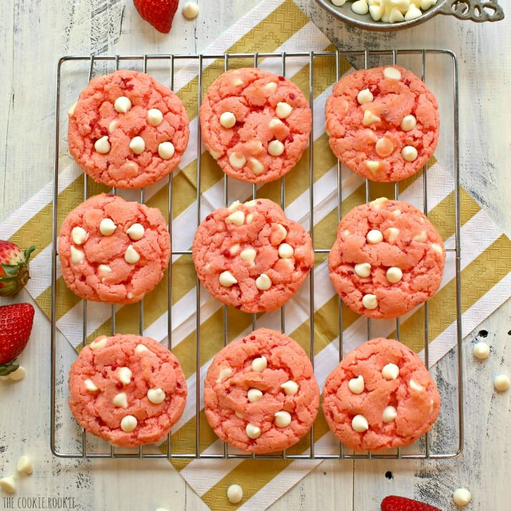 14 Valentine Foods to Feed the Mood. From dawn to dusk, here are the foods to put your sweetheart in a Valentine mood. Breakfast - supper - dessert. Simply Sated