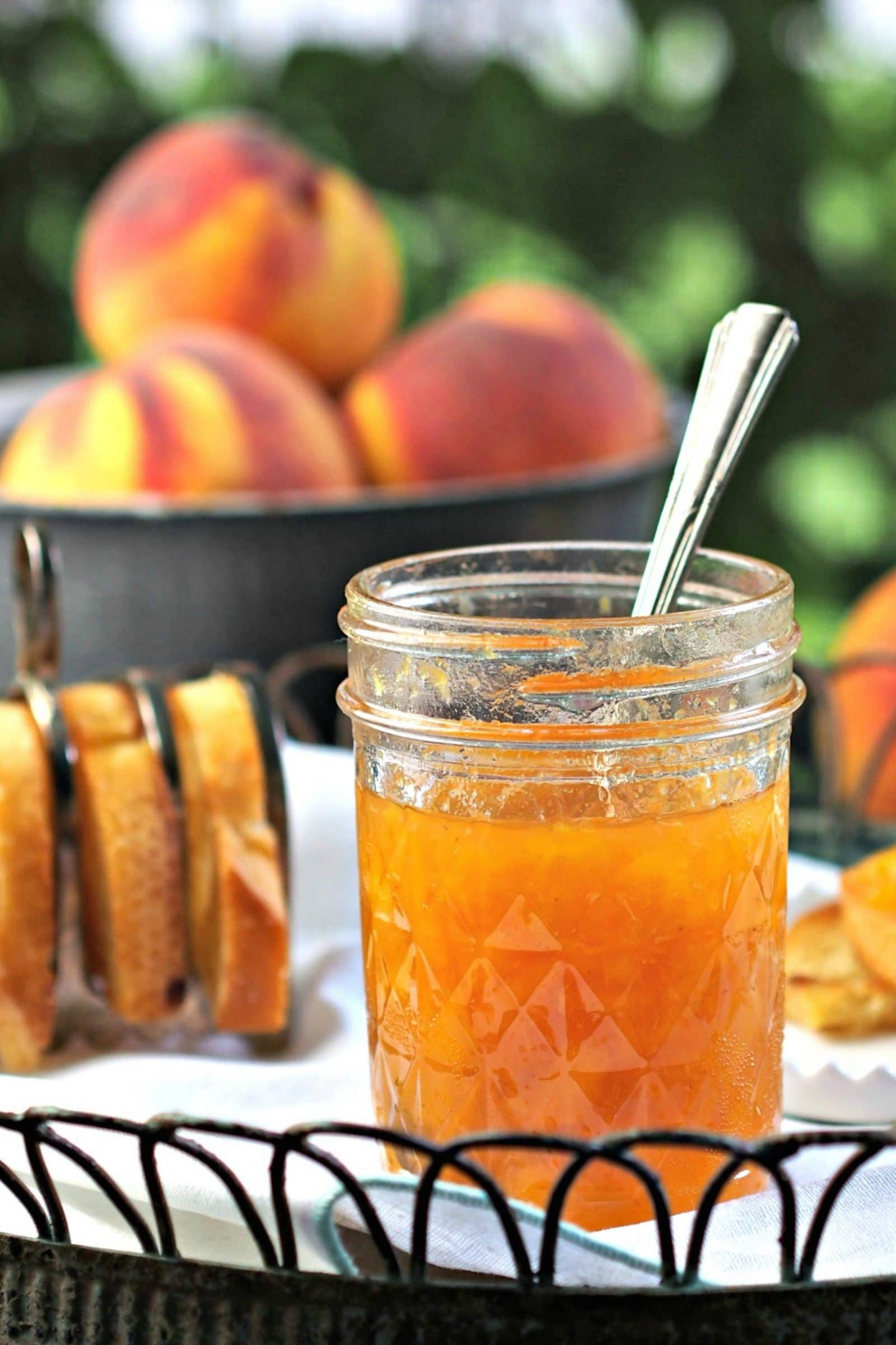 Fresh Peach Jam - this classic jam is bursting w/fresh peach flavor. Quadruple the recipe to enjoy the just-picked peach goodness all year. Simply Sated