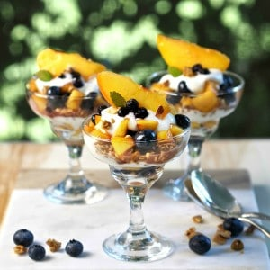 Blueberry Peach Yogurt Parfaits