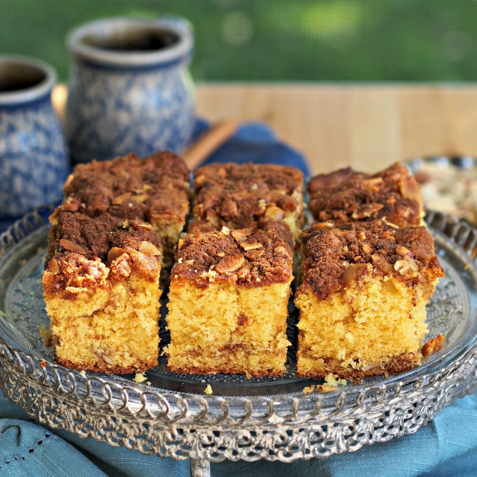 Easy 7-Up Coffee Cake