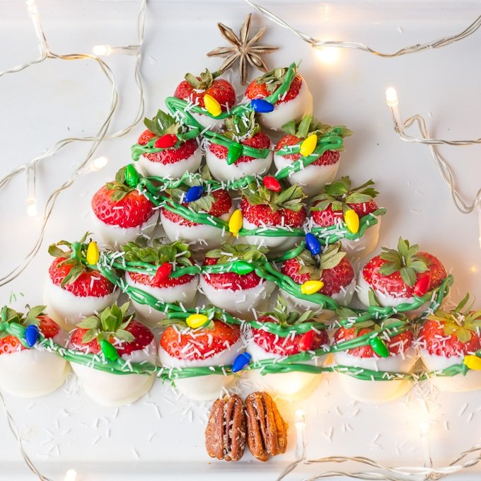 White Chocolate Strawberries Christmas Tree-a whimsical, easy & tasty Christmas dessert or appetizer. White chocolate and strawberries. Everyon'e favorite Simply Sated